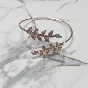 Jewelry - 💎 Rose Gold Tone Leaf Cuff Bracelet With Crystals